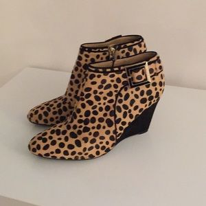 Isaac mizrahi wedge boot